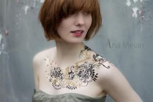 L'attribut alt de cette image est vide, son nom de fichier est ana-meian-tatouage-ephemere-300x200.jpg.