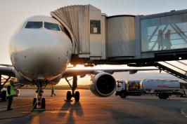 L'attribut alt de cette image est vide, son nom de fichier est avion-aeroport-nantes.png.